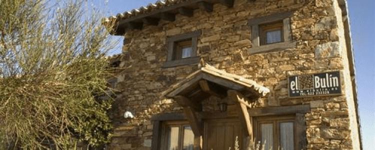 Los propietarios de casas rurales consideran la ilegalidad como su principal problema<span class=