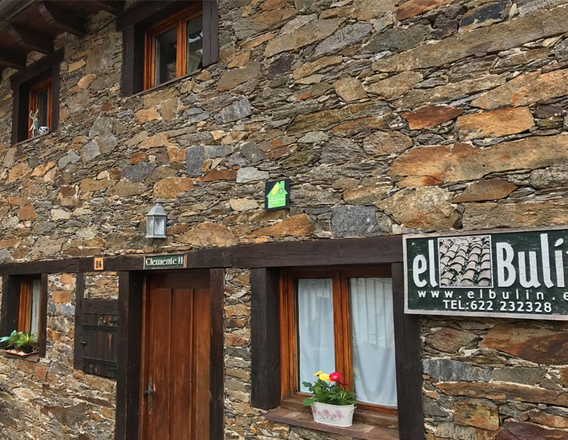 El bul n casas rurales con encanto en la hiruela sierra for Casas rurales sierra de madrid con piscina