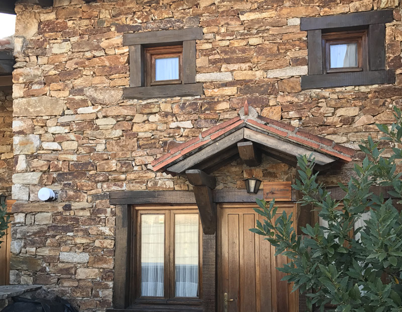 El bul n casas rurales con encanto en horcajuelo sierra for Casas rurales sierra de madrid con piscina