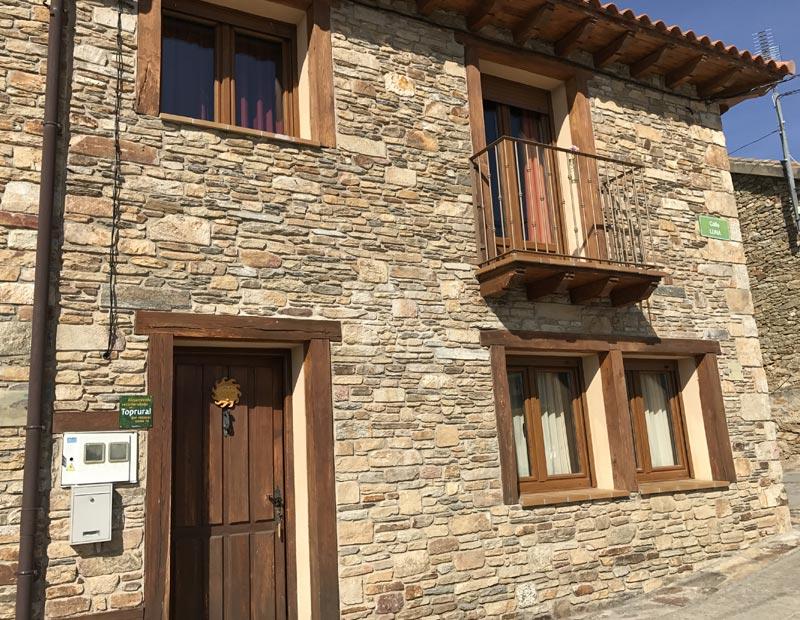 El bul n casas rurales con encanto en paredes de buitrago for Casas rurales sierra de madrid con piscina
