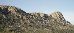 Vista del Pico de la Miel en La Cabrera.